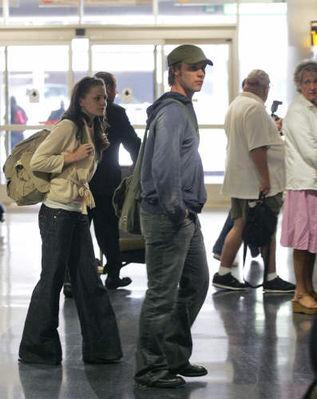 Avec Jesse Spencer à l'Aéroport (21.05.2006) Normal17