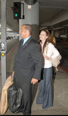 Avec Jesse Spencer à l'Aéroport (21.05.2006) Normal18