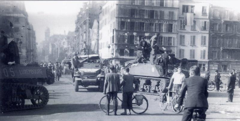 Quelques photos amateur de la libération de Paris 501rcc13