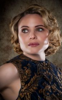 """Leah Pipes (Camille """"Cami"""" O'Connell) - Avatar 200*320 0210"""