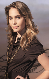 """Leah Pipes (Camille """"Cami"""" O'Connell) - Avatar 200*320 0810"""