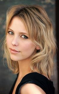 Riley Voelkel (Freya Mikaelson) - Avatar 200-320 1019