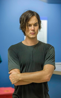Tyler Blackburn (Caleb Rivers) - Avatar 200*320 1039