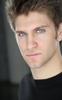 Keegan Allen (Toby Cavanaugh) - Avtar 200*320 1047