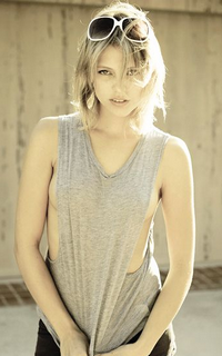 Riley Voelkel (Freya Mikaelson) - Avatar 200-320 119
