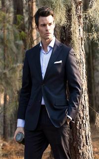 Daniel Gillies (Elijah Mikaelson) - Avatar 200*320 1213