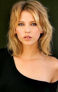 Riley Voelkel (Freya Mikaelson) - Avatar 200-320 1219