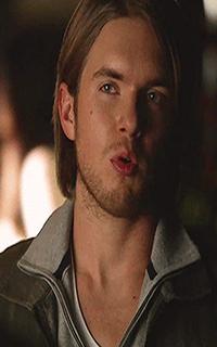 """Chris Brochu (Lucas """"Luke"""" Parker) - Avatar 200*320 1249"""