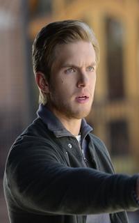 """Chris Brochu (Lucas """"Luke"""" Parker) - Avatar 200*320 148"""