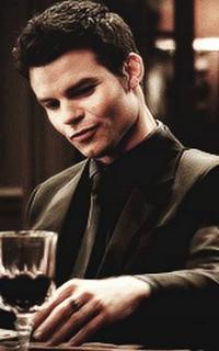 Daniel Gillies (Elijah Mikaelson) - Avatar 200*320 313