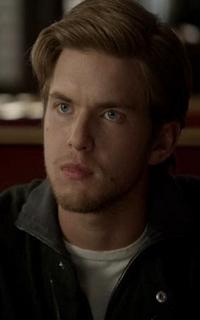 """Chris Brochu (Lucas """"Luke"""" Parker) - Avatar 200*320 348"""