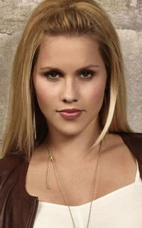 Claire Holt (Rebekah Mikaelson) - Avatar 200*320 534