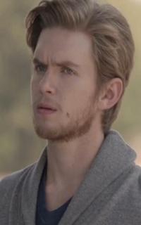 """Chris Brochu (Lucas """"Luke"""" Parker) - Avatar 200*320 750"""