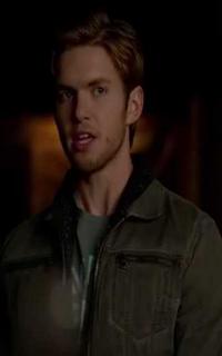 """Chris Brochu (Lucas """"Luke"""" Parker) - Avatar 200*320 849"""