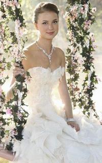 Emily VanCamp ( Emily Thorne / Amanda Clark )  970