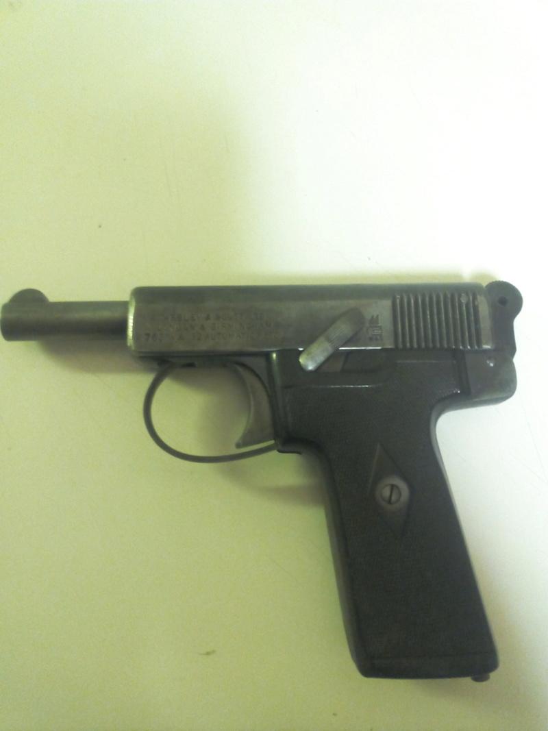pistolets automatiques webley & scott - Page 2 Img_2030