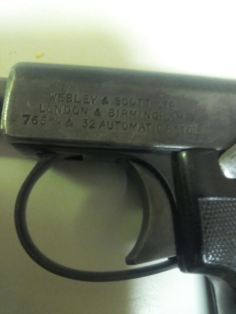 pistolets automatiques webley & scott - Page 2 Img_2031