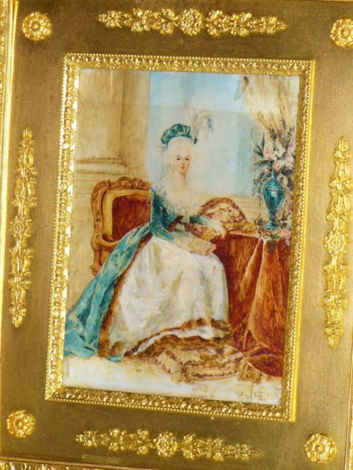 Marie-Antoinette au livre en robe bleue - Page 2 Tumblr10