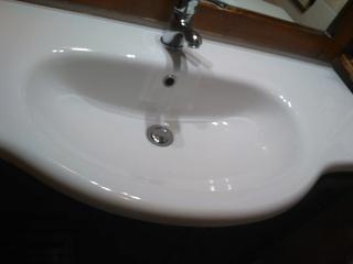 Si può usare un prodotto dello shop per effetto scivolo acqua per il lavandino del Bagno? Img_2012