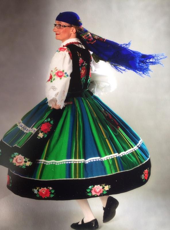 quelques adresses pour achat des costumes folkloriques. Black Bedroom Furniture Sets. Home Design Ideas