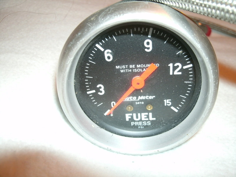 Autometer Fuel Pressure Gauge WITH Isolator NEW Sport Comp Fuel_p12
