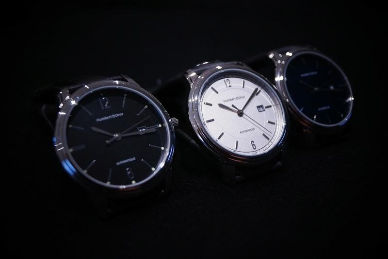 Humbert Droz Nouvelle marque Française avec ses 4 générations d'horlogers  Dsc02611