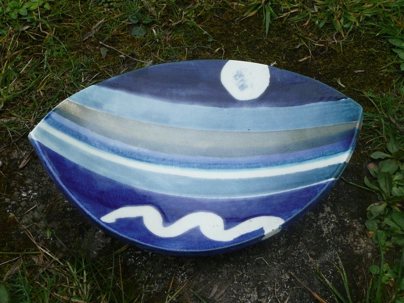 Blue dish P1220910