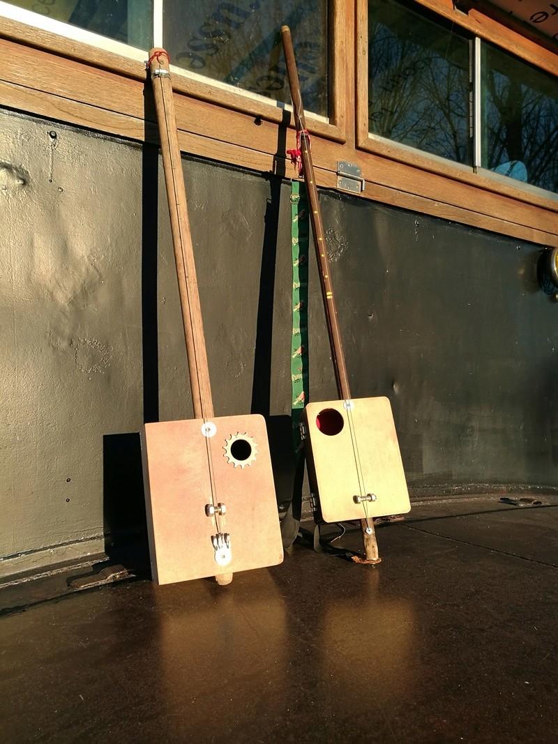 Comment construire un Diddley Bow en 20 mn Img_2011