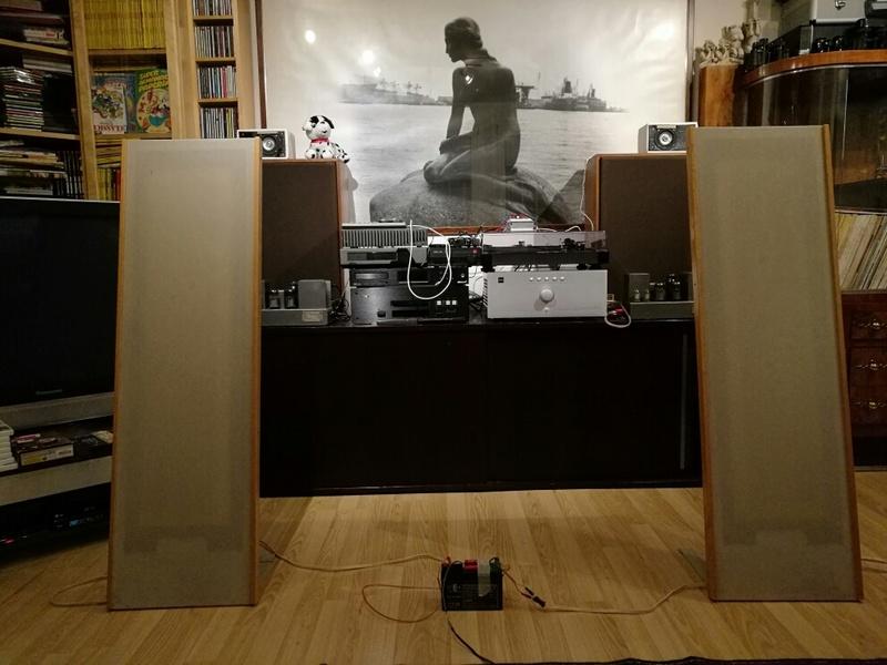 ta2024 e diffusori vintage (kef, spendor e magneplanar) Img_2012