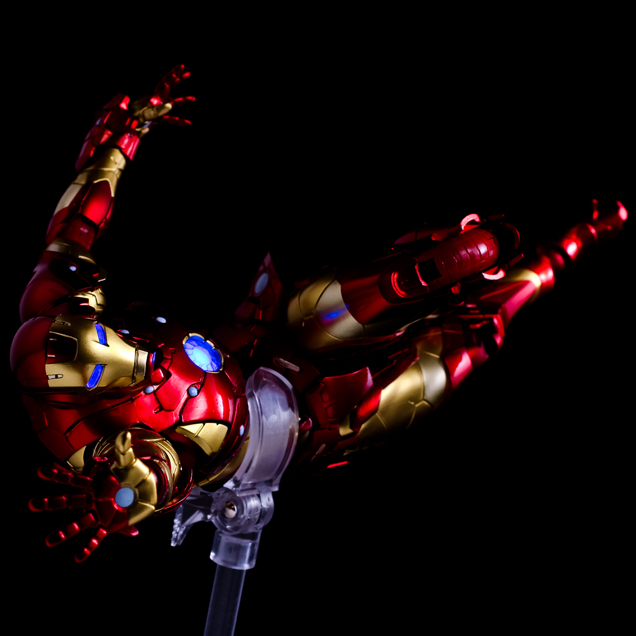 Iron Man #01 Bleeding Edge Armor/Sentinel 14_iro16