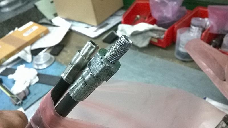 Comment réparer son câble d'embrayage. Nc8_le10