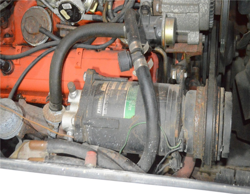 Remplacement pompe essence + durites Dsc_0010