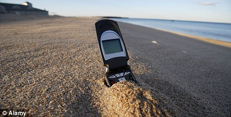 How to revive your phone afetr entering water for a long time Articl10