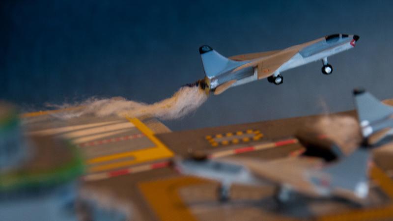 Porte avion CLEMENCEAU 1/400ème _dsc4111