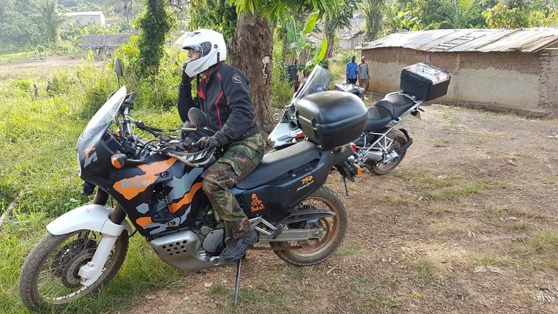 Amoureux fou de mon Africa Twin 750 RD04 Whatsa11