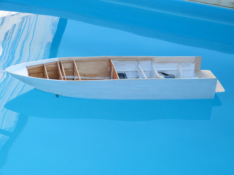 Yacht flybridge au 1/25eme - Page 3 P1070721