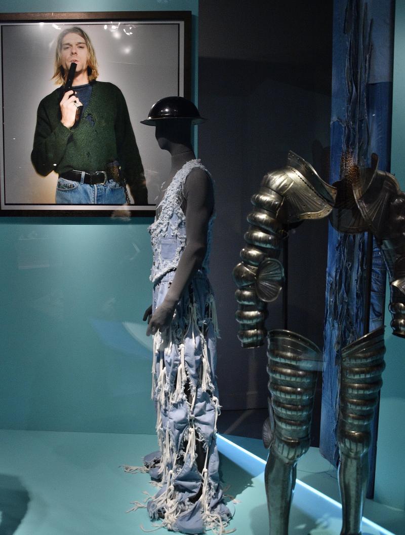 La mode et le vulgaire, quand la nouveauté fait scandale B9710612