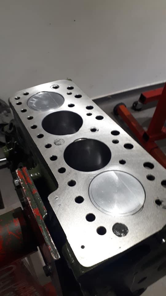 quels pistons pour remplacer des pistons en D 80021710