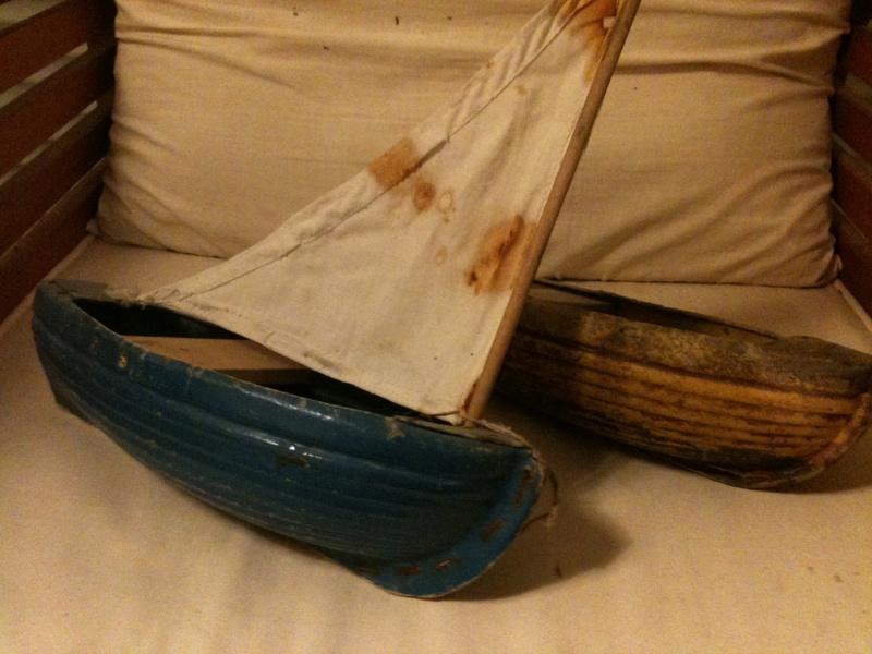 deux petits bateaux en carton bouilli Img_1910