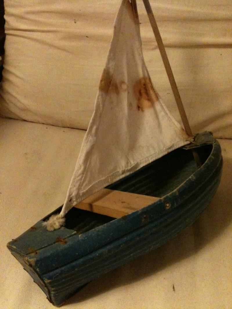 deux petits bateaux en carton bouilli Img_1912
