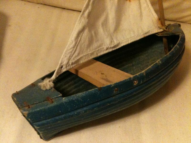 deux petits bateaux en carton bouilli Img_1914