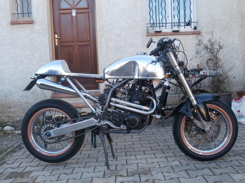 KTM DUKE CAFRA P1040111
