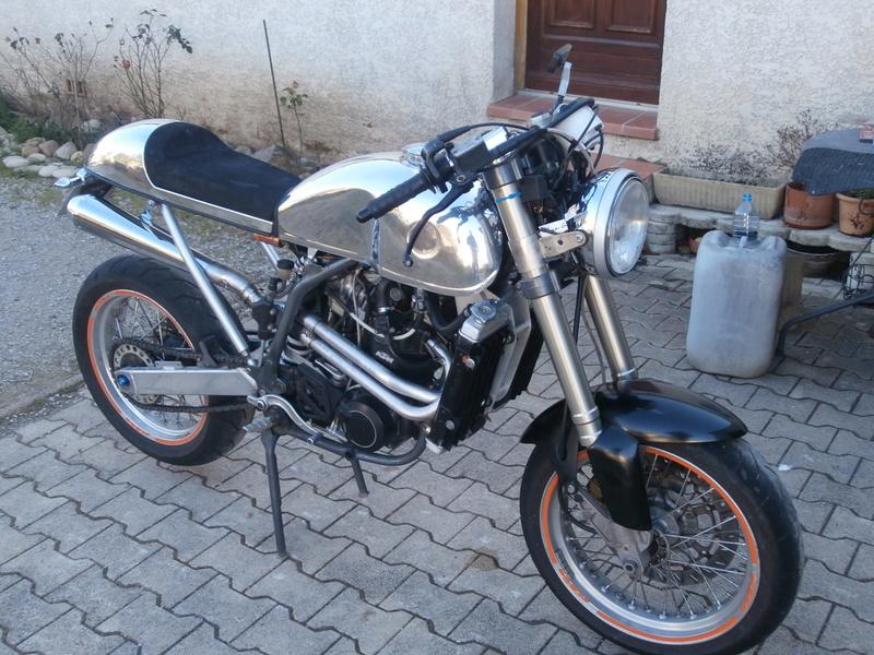 KTM DUKE CAFRA P1070110