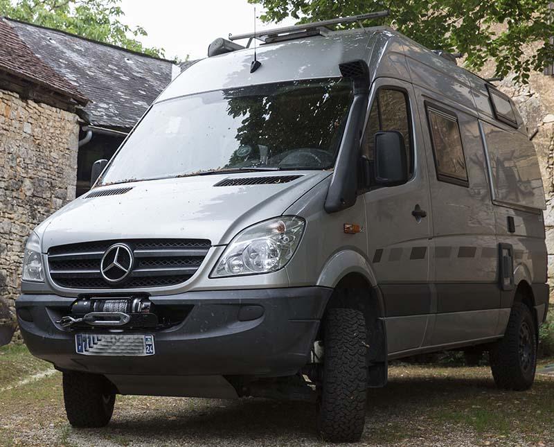 """Présentation de """"Jumbo"""" Independent Mercedes Sprinter 4x4 - Préparation et voyages Merced10"""