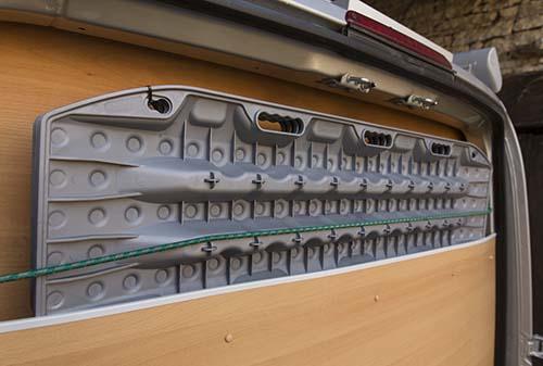 """Présentation de """"Jumbo"""" Independent Mercedes Sprinter 4x4 - Préparation et voyages Plaque10"""
