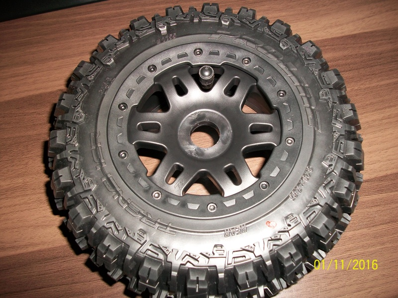 Trencher - Montage pneus Trencher Proline  100_2911