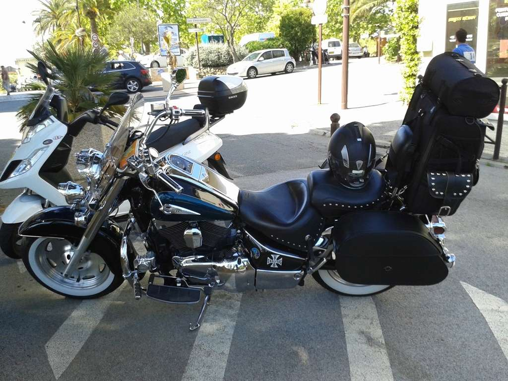 1700 TOURER - Pose tour pack 80 litres KS motorcycles 20150510