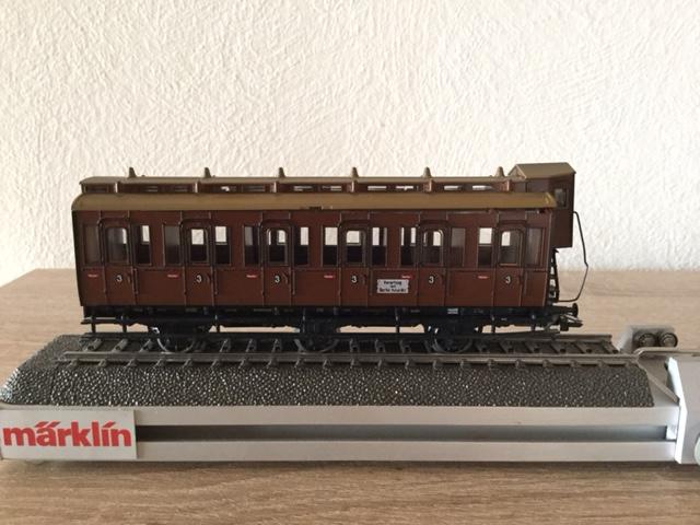 Wagon Märklin 4209 - Attelage cassé Img_1010