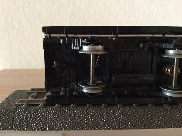 Wagon Märklin 4209 - Attelage cassé Img_1011