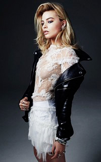 Margot Robbie Margot17